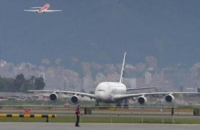 Llegada del avión mas grande del mundo.