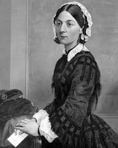 Florence Nightingale inicia como enfermera