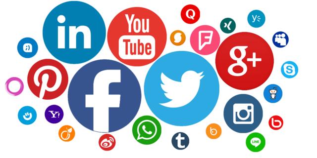 ACTALIDAD  El uso de las redes  sociales facilita el contacto a cualquier parte del planeta con acceso a internet