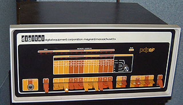 PDP-8, primer miniordenador