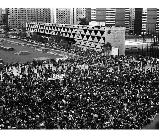 OCT 2, 1968 Ámbito Social. Movimiento Estudiantil del 68.