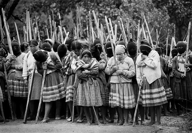 JAN 1, 1994 Ámbito Social. Movimiento Zapatista de Liberación nacional