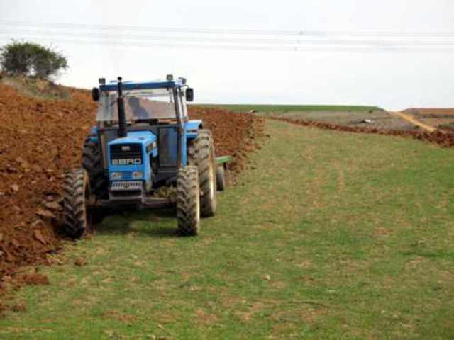 A trabajar con el tractor
