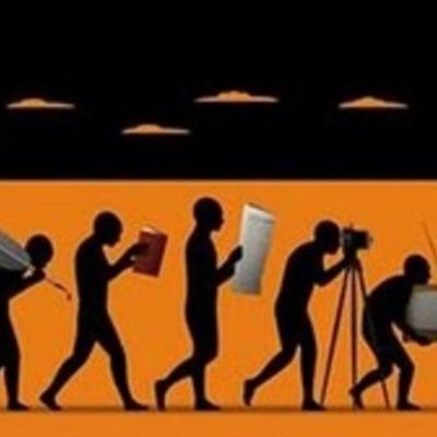 L'EVOLUCIÓ DE LA COMUNICACIÓ des de la impremta fins a l'actualitat timeline