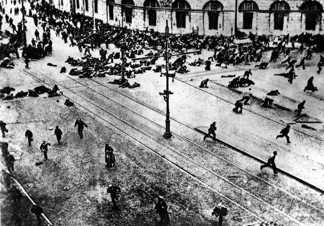 Obreros en Huelga