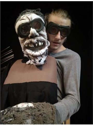 "Ivano-Frankivsk: 19:00, ""Hamlet"" staged by the theatre ""I Lyudy, I Lyalky (Both People and Puppets)"""