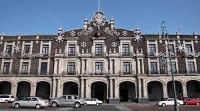 Se construyó el palacio de Gobierno del Estado de México.