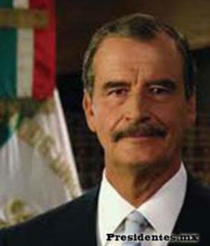 Es elegido presidente Vicente Fox.