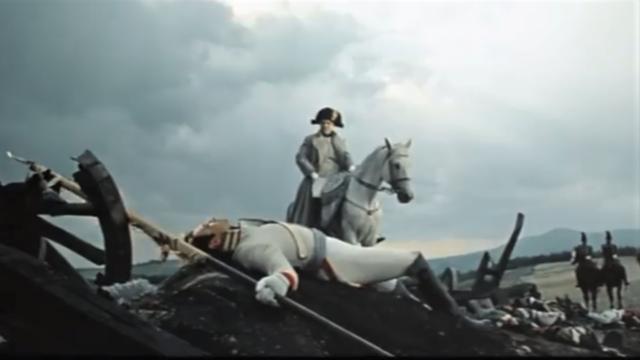 Подвиг Андрея Болконского и ранение в голову.