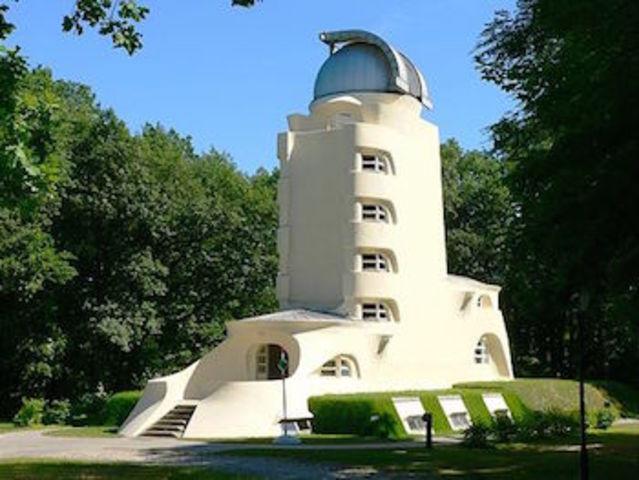 Architecture: The Einstein Tower