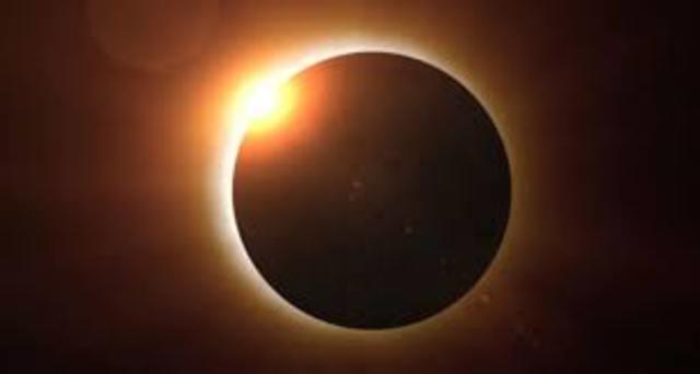 Un eclipse solar oscurece a Egipto