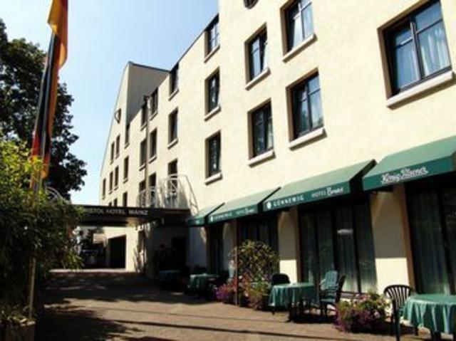 Hotel Bristol, Trondheim (to 8/11)