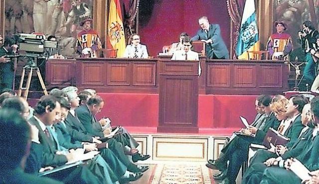 Aprobación del Estatuto de Autonomía de Canarias