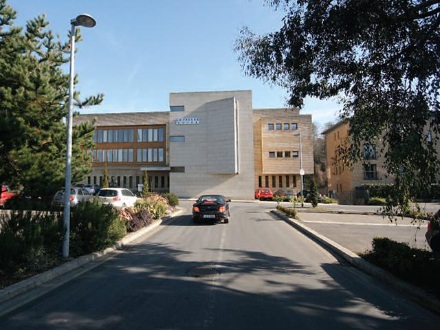 La Vallee House