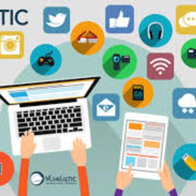 Desarrollo de los medios de información y comunicación timeline