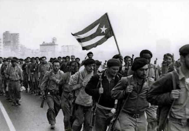 Triunfa la Revolución Cubana. Dieciséis naciones africanas obtienen su independencia.