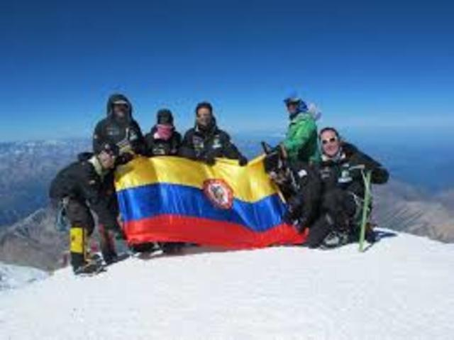 I had already started studying at university whenColombians conquer the summit of Everest