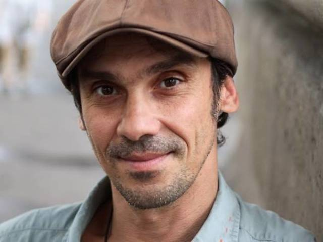Manu Chao (1961- ) : Sénégal Fast Food
