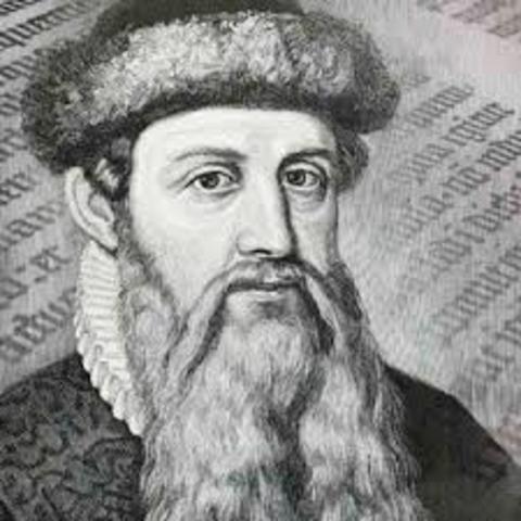 Johannes Gutenberg crea la imprenta