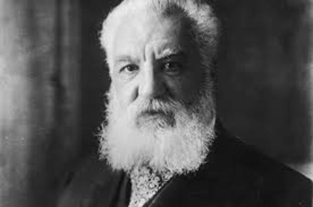 Se realiza la primera transimisión telefónica por Alexander Graham Bell