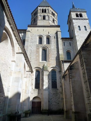 Name:Cluny Abbey. Period:Romanesque. Date:910 AD
