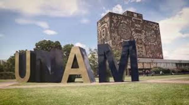 Entrada a la escuela UNAM
