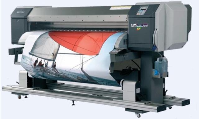 Primeras máquinas digitales para impresión de etiquetas