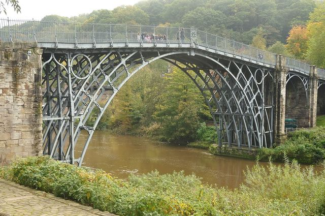 Coalbrookdale Bridge de Abraham Darby III y Thomas Farnolls Pritchard