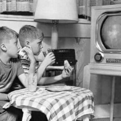 Inventos y antecedentes necesarios para que existiera la televisión timeline