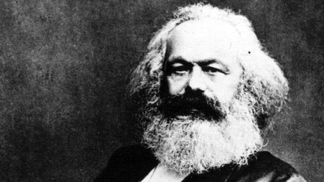 Declinan los modelos críticos inspirado en el paradigma marxista