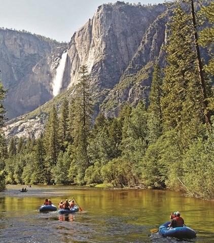 Se constituye el primer parque nacional del mundo. Yosemite (E.U.A)