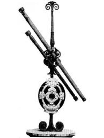1609: Galileo construye el primer telescopio óptico