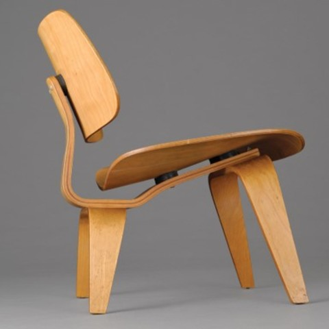 Lounge Wood Chair (Charles and Ray Eames)1945
