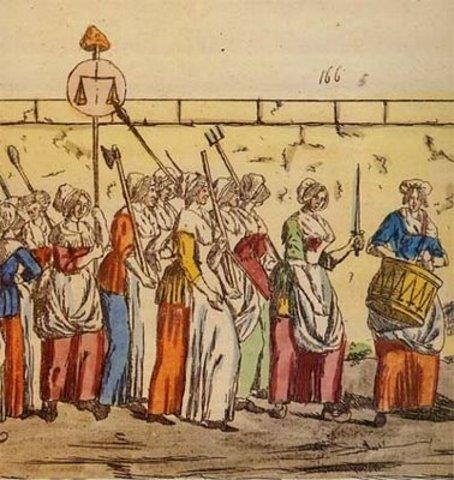Mujeres reclaman a la corona.