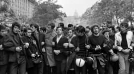 Los movimientos estudiantiles en el Bloque Oriental. timeline