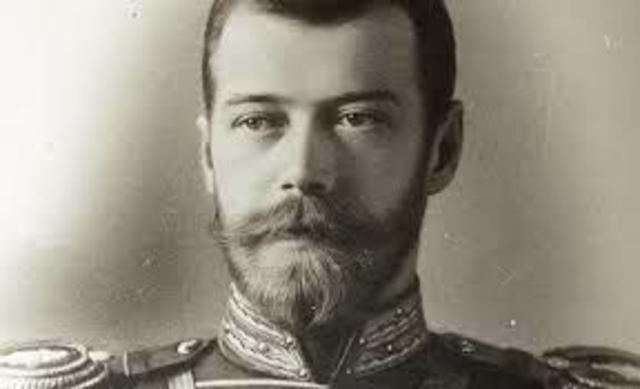 Nicolás II envia a su ejército y a su pueblo a la guerra contra Alemania.