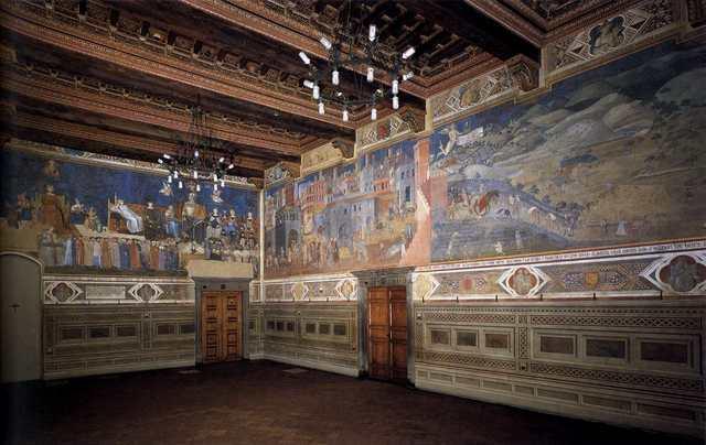 Les célèbres fresques d'Ambrogio Lorenzetti sur Le Bon et le Mauvais Gouvernement de la ville couvrent trois côtés de la salle du Palazzo Pubblico de Sienne.