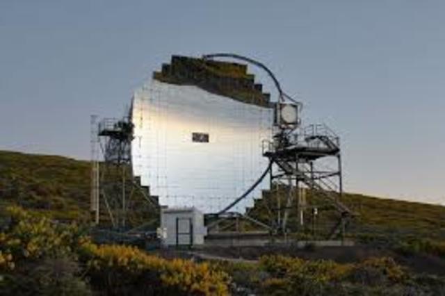 Telescopio con espejos múltiples