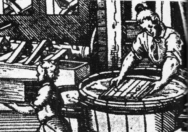 Invención del papel.  105 D.C