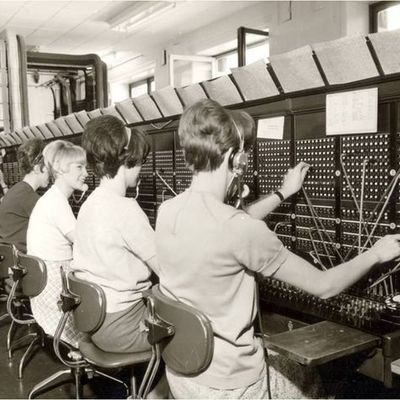 Evolució dels oficis. Telefonistes timeline