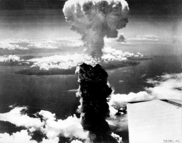 BOMBA ATOMICA EN HIROSHIMA -NAGASAKI