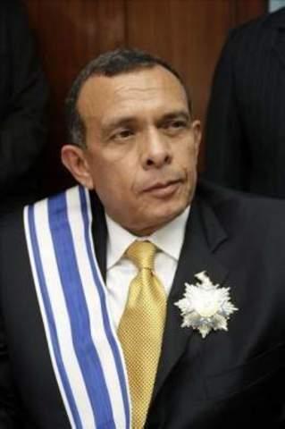 Porfirio Lobo 27 de enero de 2010-26 de enero de 2014