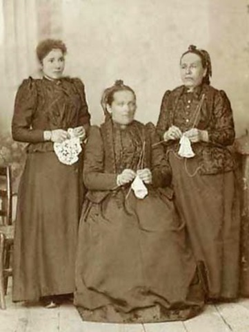 three old ladies knit the socks of death