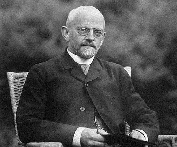 D. Hilbert y W. Ackermann