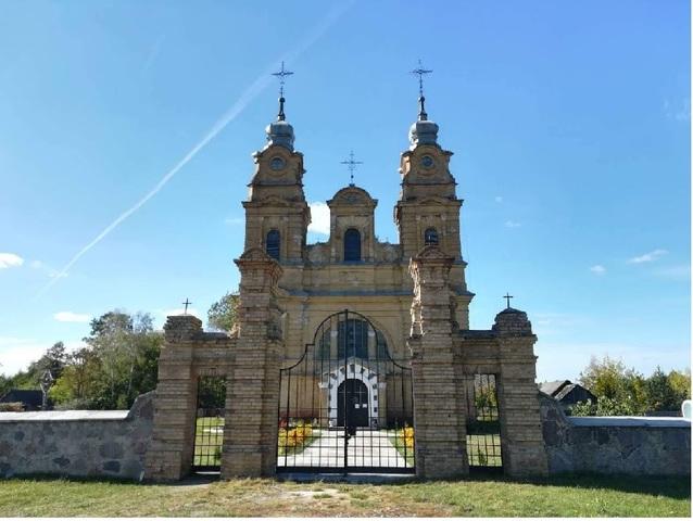 В ноябре 1905 года открыл свои двери для прихожанновый костёл, освященный в честь Святого Антония Падуанского