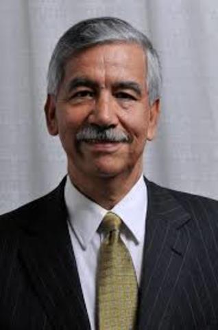 Dr. Humberto Arenas