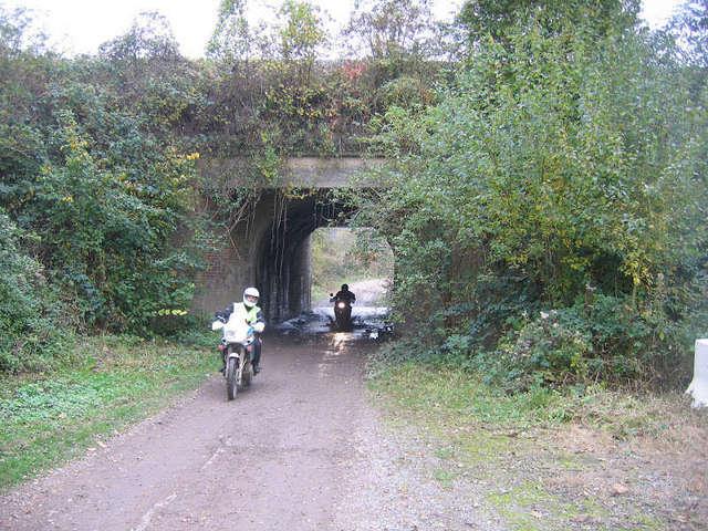 Noir bitume, une Trail pour les Routières!