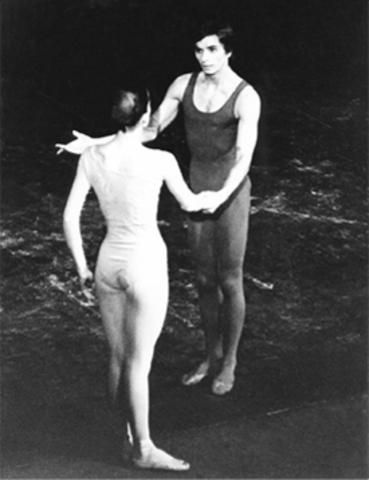 Jiri Kylián: becado para el Royal Ballet School de Londres