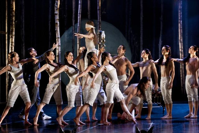 Fundación de Adventures in Motion Pictures de Matthew Bourne