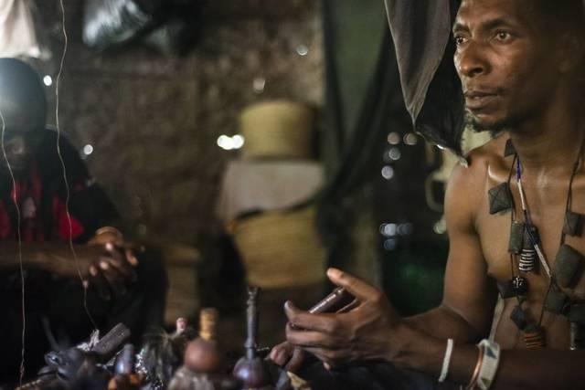 2017. Ola de asesinatos de mujeres acusadas de brujería en Tanzania